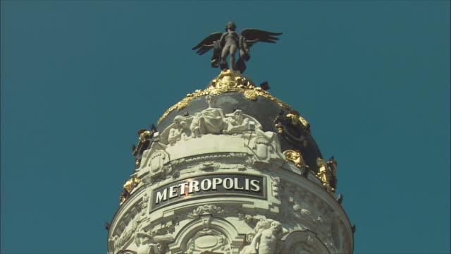 cu la zi dome of metropolis building, madrid, spain - madrid stock videos & royalty-free footage