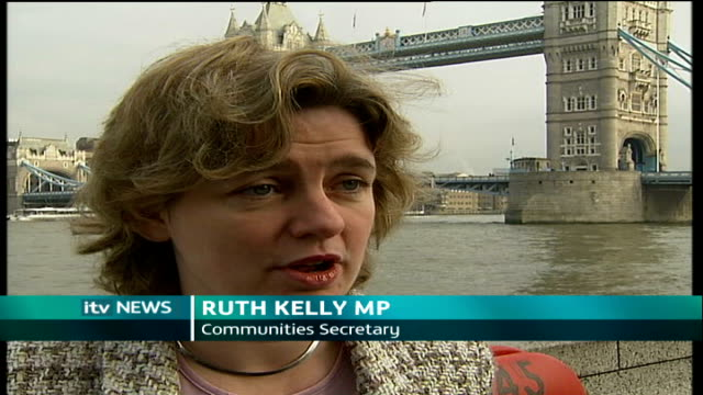 vídeos de stock e filmes b-roll de 'panic rooms' installed in london homes tower bridge ext ruth kelly mp interview sot where experts judge that it is safe / and where it is the... - domestic room