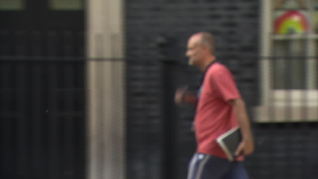dominic cummings leaving 10 downing street - child care stock videos & royalty-free footage