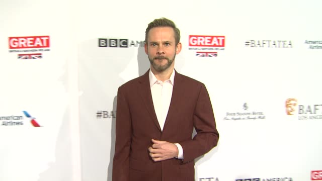 vídeos de stock, filmes e b-roll de dominic monaghan at the bafta los angeles awards season tea party at four seasons hotel los angeles at beverly hills on january 09 2016 in los... - tea party