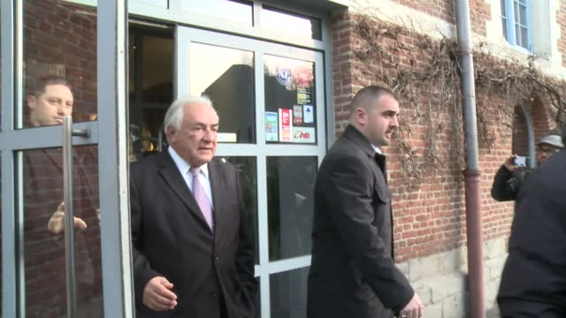 dominique strauss kahn left his hotel in lille on wednesday headed for court one day after a french prosecutor called for him to be acquitted of... - procuratore video stock e b–roll