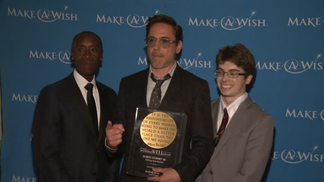 don cheadle robert downey jr at 4th annual wishing well winter gala presented by makeawish greater los angeles in los angeles ca - wishing well stock videos & royalty-free footage