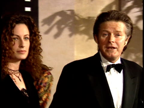 Don Henley and Sharon Summerall walk down red carpet and talk to reporters about favorite Jack Nicholson film