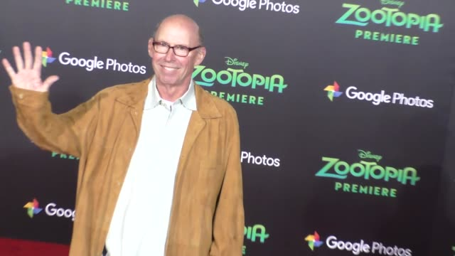 vidéos et rushes de don lake at the zootopia premiere at el capitan theatre in hollywood at celebrity sightings in los angeles on february 17 2016 in los angeles... - cinéma el capitan
