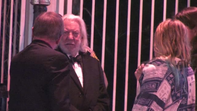 donald sutherland leaving the 2012 vanity fair oscar party in west hollywood ca 02/26/12 - oscar party stock-videos und b-roll-filmmaterial