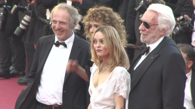 Donald Sutherland Vanessa Paradis Valeria Golino Arnaud Desplechin at 'The Last Face' Red Carpet at Grand Theatre Lumiere on May 20 2016 in Cannes...