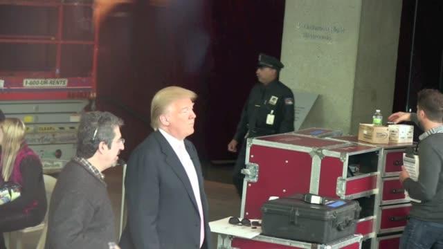 stockvideo's en b-roll-footage met donald trump appears on 'the talk' in new york on - verschijning