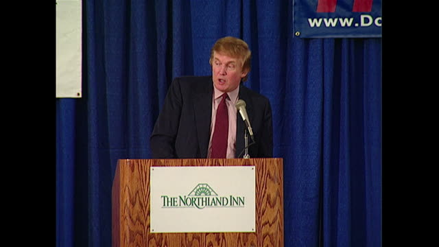 vidéos et rushes de donald trump at a fundraiser for the minnesota reform party with jesse ventura. trump said they are going to be announcing some good things coming... - united states and (politics or government)