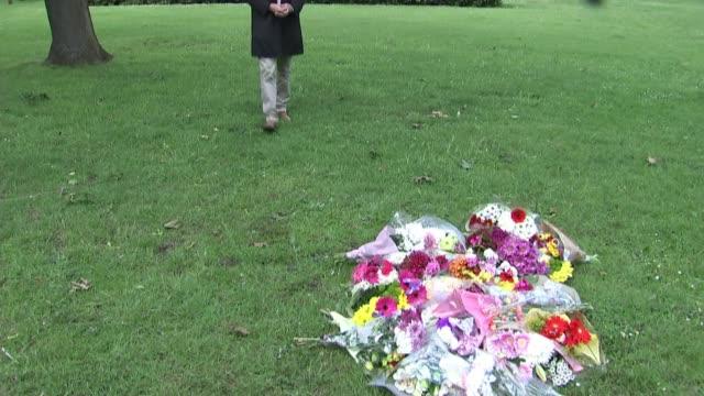 Donald Trump criticises London Mayor Sadiq Khan over London murders ENGLAND London EXT Lorraine Jones interview SOT Floral tributes / reporter to...