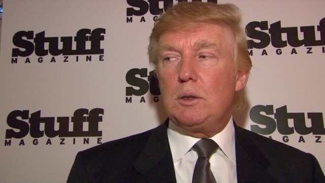 vidéos et rushes de donald trump discusses his daughter being on the cover of stuff magazine, the apprentice, and being a dad again at the preview of stuff magazine´s... - interview format raw