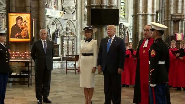 stockvideo's en b-roll-footage met donald trump state visit: day one: westminster abbey visit; uk, london, westminster abbey: us president donald trump and first lady melania trump... - westminster abbey