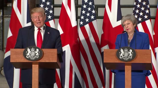 day two trump and theresa may hold joint press conference england london foreign and commonwealth office int donald trump and theresa may mp press... - präsident der usa stock-videos und b-roll-filmmaterial