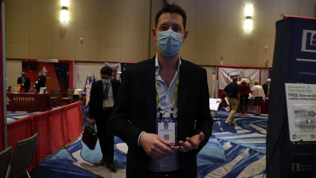 FL: Trump supporters dominate CPAC conference in Orlando