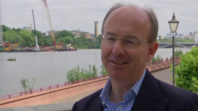 view from battersea and tooting england london battersea philip beddows interview sot - londra e hinterland video stock e b–roll