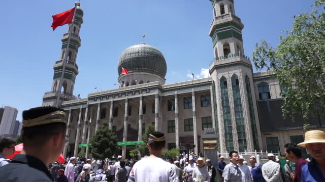 Dongguan Great Mosque one of the four largest mosques and the highest institute of Islam in Northwest China About 7000 people attend prayer...