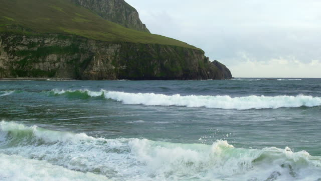 dooega kopf auf achill island in irland - kiel rumpf stock-videos und b-roll-filmmaterial