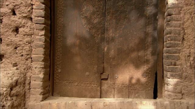 MS TU TD Door of old building, Abyaneh, Iran