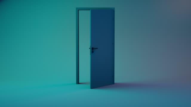 vidéos et rushes de ouverture de la porte - chambre vide 4k - porte structure créée par l'homme