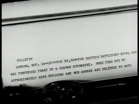 vídeos de stock, filmes e b-roll de door sign 'studio no admittance' int ms radio announcer reading paper at microphone cu message from teletype vs operator handing message to announcer... - comentarista