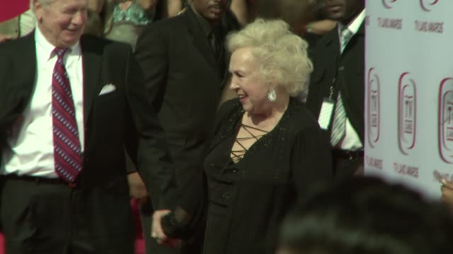 doris roberts at the tv land awards at los angeles california. - doris roberts stock videos & royalty-free footage