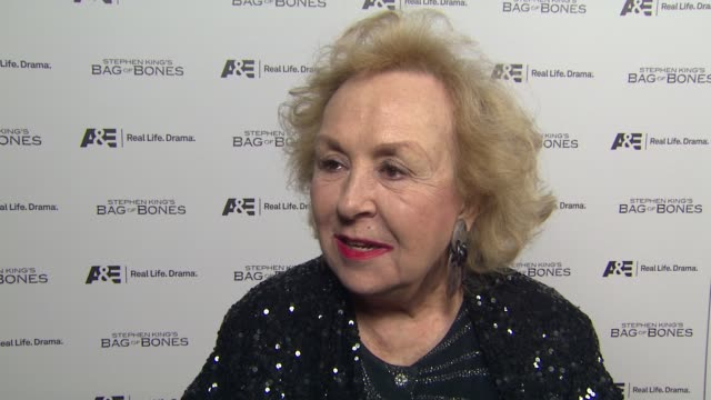 Doris Roberts on the event working with Pierce Brosnan in the past scary movies how she's celebrating the holidays surprising Pierce by being here...