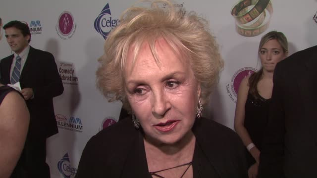 doris roberts on what the evening means to her personally, her fondest memory of peter boyle, reuniting with her everybody loves raymond co-stars at... - peter boyle stock videos & royalty-free footage