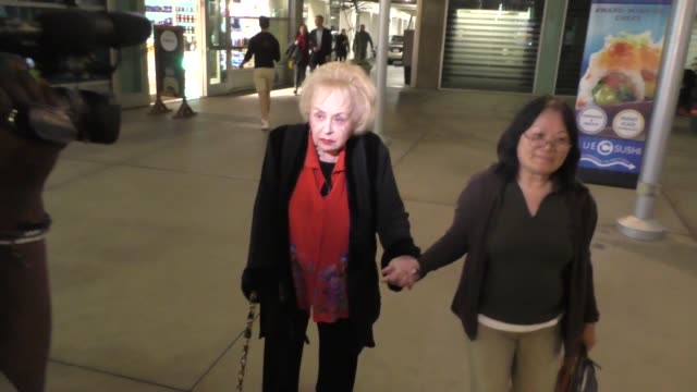 doris roberts talks about awards shows while going to see a movi at arclight theatre in hollywood in celebrity sightings in los angeles, - doris roberts stock videos & royalty-free footage