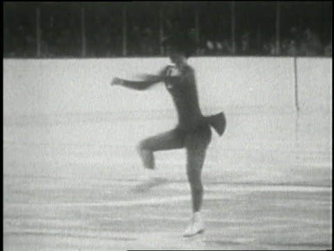 vídeos de stock e filmes b-roll de dorothy hamill spins on the ice during the 1976 winter olympics. - 1976