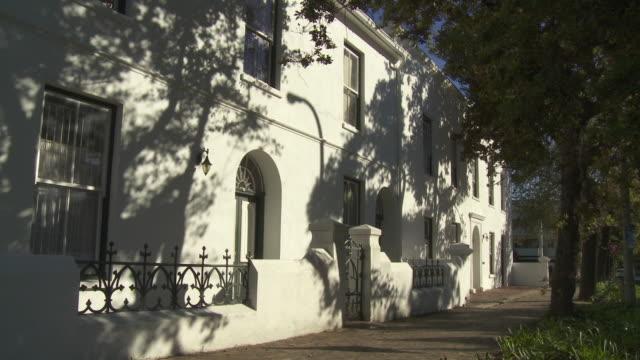 ws dorp street period house exterior, stellenbosch , franschhoek, western cape, south africa - stellenbosch 個影片檔及 b 捲影像