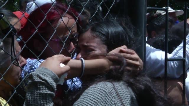 dos jovenes muertos dejo el asedio y ataque a balazos de fuerzas del gobierno nicaraguense contra una iglesia en managua donde unos 200 estudiantes... - managua stock videos & royalty-free footage
