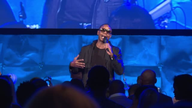 vídeos y material grabado en eventos de stock de performance doug e fresh at russell simmons rush philanthropic arts foundation's 2016 art for life benefit at fairview farms on july 16 2016 in... - russell simmons
