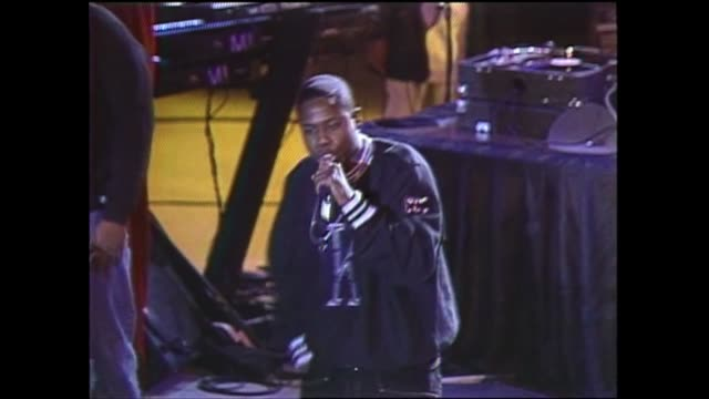 stockvideo's en b-roll-footage met doug e fresh performance of 'ayo ieght' at the manhattan center in new york city 1993 - hiphop