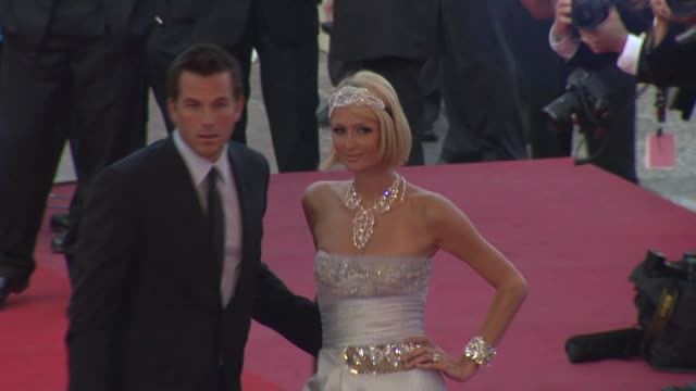 doug reinhardt paris hilton at the cannes film festival 2009 inglourious basterds steps at cannes - 62 ° festival internazionale del cinema di cannes video stock e b–roll