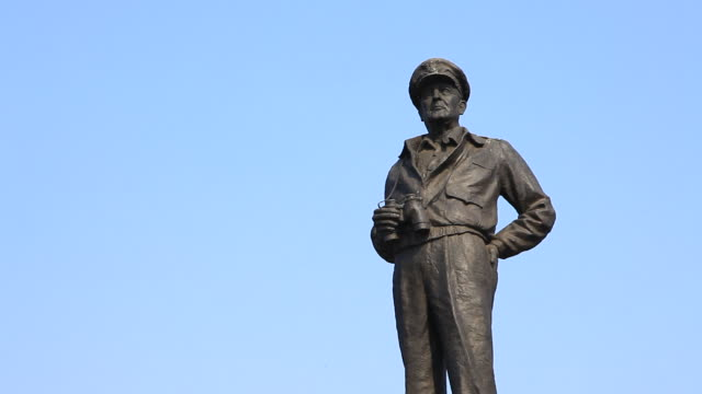 douglas macarthur statue in jayu park (general of incheon landing operation on korean war) - male likeness stock videos & royalty-free footage