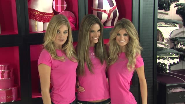 vídeos de stock, filmes e b-roll de doutzen kroes alessandra ambrosio and marisa miller at the holiday shopping event at the new victoria's secret soho store at new york ny - alessandra ambrosio