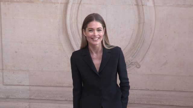 doutzen kroes lucie de la falaise katy hassel christine and the queens at the photocall for the dior haute couture fall winter 2020 fashion show in... - christine last stock-videos und b-roll-filmmaterial