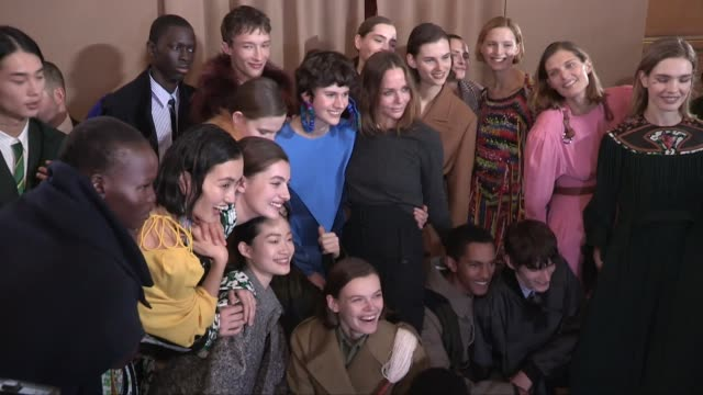 doutzen kroes natalia vodianova stella mccartney and more backstage after the stella mccartney ready to wear fall winter 2019 fashion show in paris... - stella mccartney marchio di design video stock e b–roll