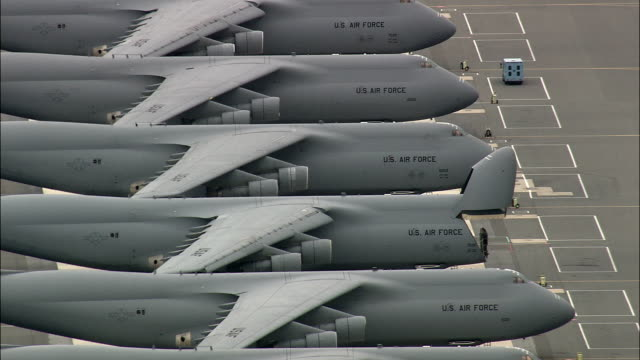 stockvideo's en b-roll-footage met dover air force base - luchtfoto - delaware, kent county, verenigde staten - leger thema