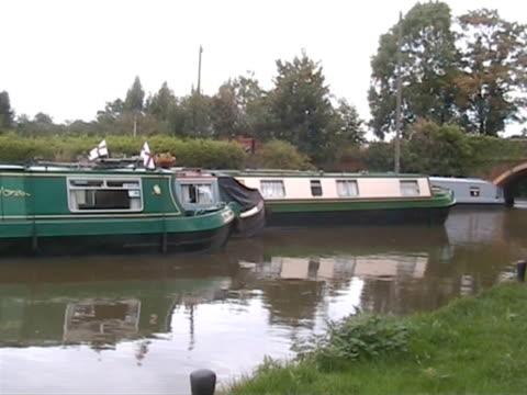 down by the canal 6  pal - ankrad bildbanksvideor och videomaterial från bakom kulisserna
