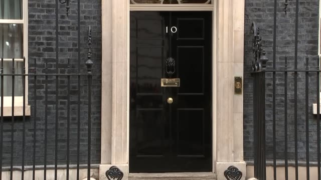 downing street cabinet arrivals and departures boris johnson and jeremy wright chat and depart / amber rudd / david gauke and caroline nokes / matt... - andrea leadsom stock-videos und b-roll-filmmaterial