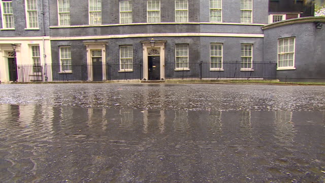 10 downing street on a rainy day - downing street stock videos & royalty-free footage