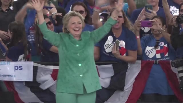 vídeos de stock, filmes e b-roll de a downpour brings an abrupt end to a hillary clinton get out the vote event in florida though clinton did have time to deliver several minutes of... - florida us state