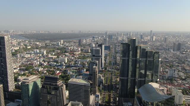 vídeos de stock e filmes b-roll de downtown  bangkok silom, bang rak and  king power mahanakhon/ aerial - bangkok