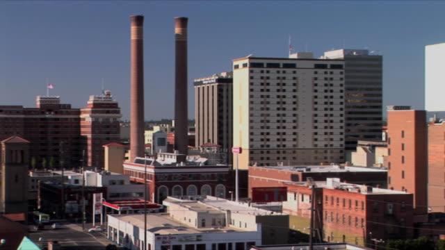 ws pan downtown cityscape, spokane, washington, usa - washington state stock videos & royalty-free footage