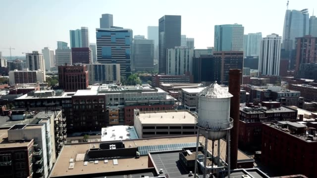 downtown denver - コロラド州点の映像素材/bロール