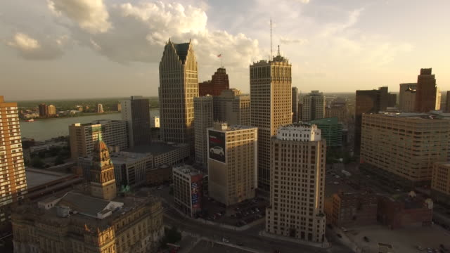 downtown detroit aerial - detroit michigan stock videos & royalty-free footage