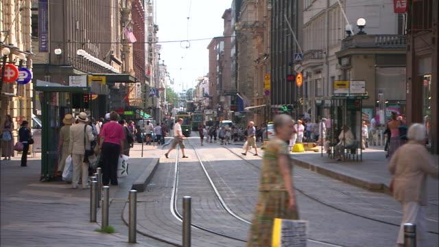 downtown, helsinki, finland - verkehrsschild stock-videos und b-roll-filmmaterial