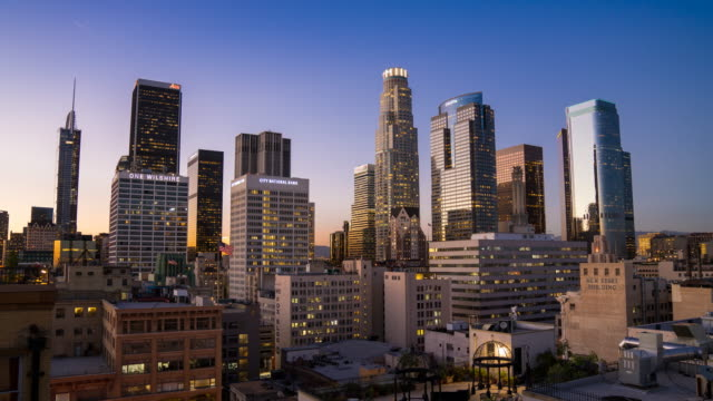 stockvideo's en b-roll-footage met de skyline van downtown los angeles - city of los angeles