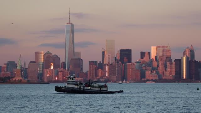 downtown manhattan across the hudson river, new york, manhattan, united states of america - エスタブリッシングショット点の映像素材/bロール