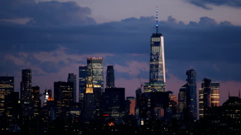 stockvideo's en b-roll-footage met skyline van manhattan in het centrum - world trade center manhattan
